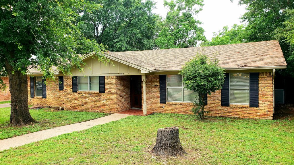 property_image - House for rent in Hurst, TX